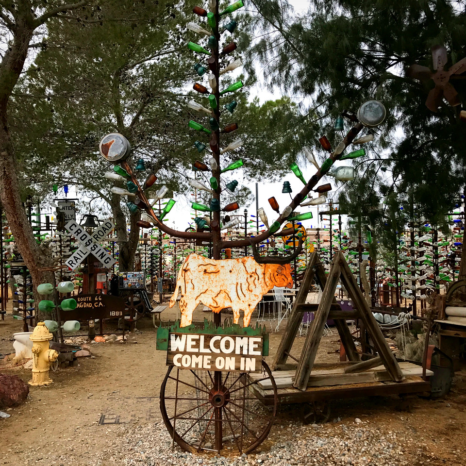 welcome sign at Elmers Bottle Tree Ranch in California