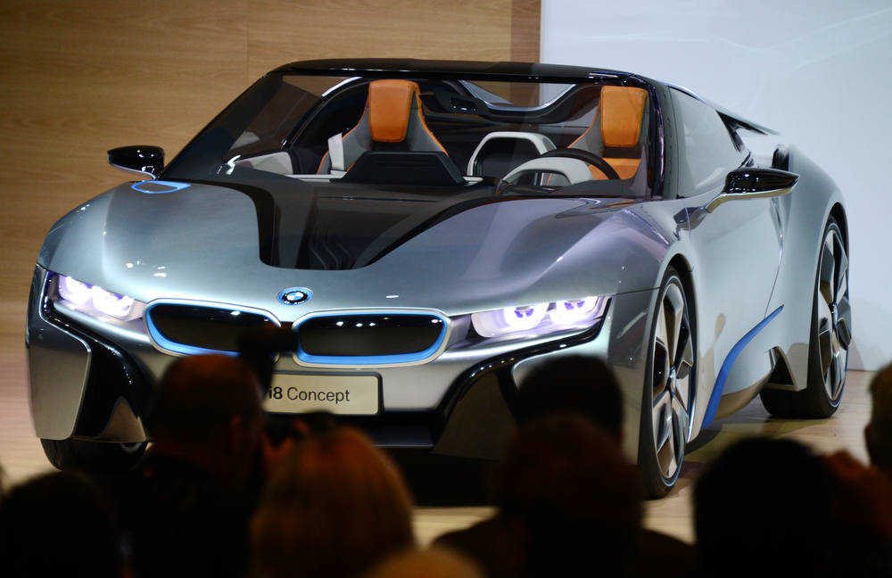 Description of . The BMW i8 Concept sportscar is unveiled at the Los Angeles Auto show  in Los Angeles, California on media preview day, November 28, 2012.  \The LA Auto Show will open to the public on November 30 and runs through December 9AFP PHOTO / Robyn BECK/AFP/Getty Images