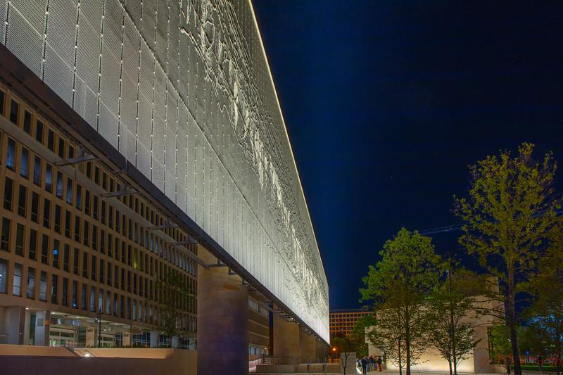 091929 Dwight D Eisenhower Memorial - Tapestry West View Close-8616.jpg