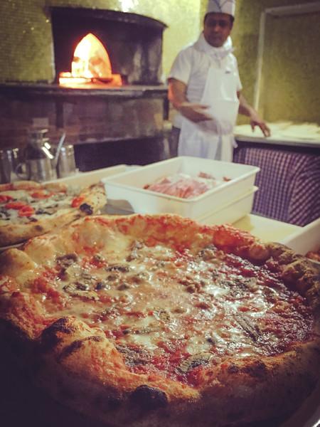 rome pizza making daves pizza 2.jpg