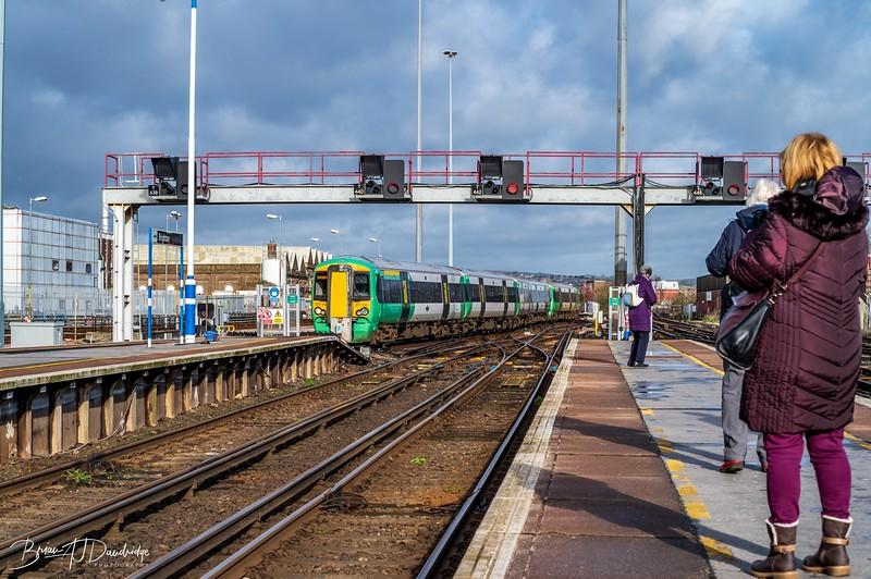 The train arriving on Platform 3.....