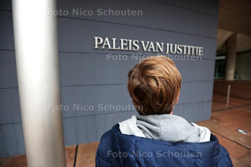 John van Vliet, een ondernemer uit Berkel en Rodenrijs die een schadeclaim van 1,6 miljoen euro eist van de staat - DEN HAAG 22 OKTOBER 2015 - FOTO NICO SCHOUTEN