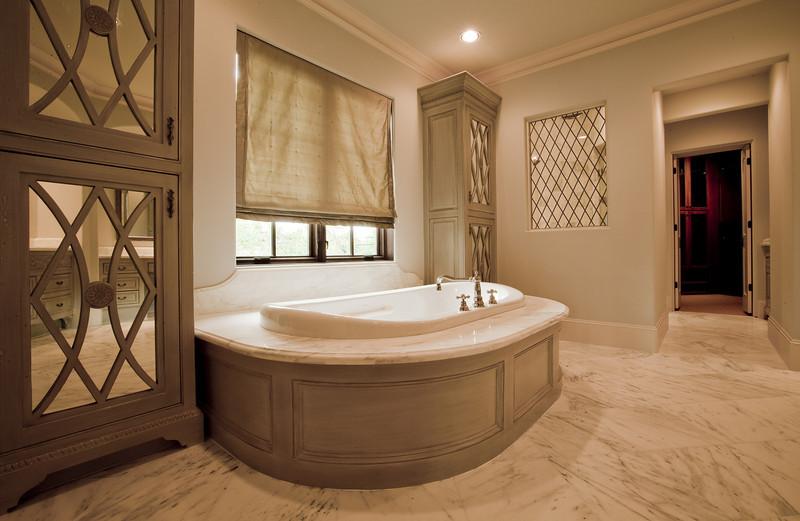 plumb_master_bathroom.jpg