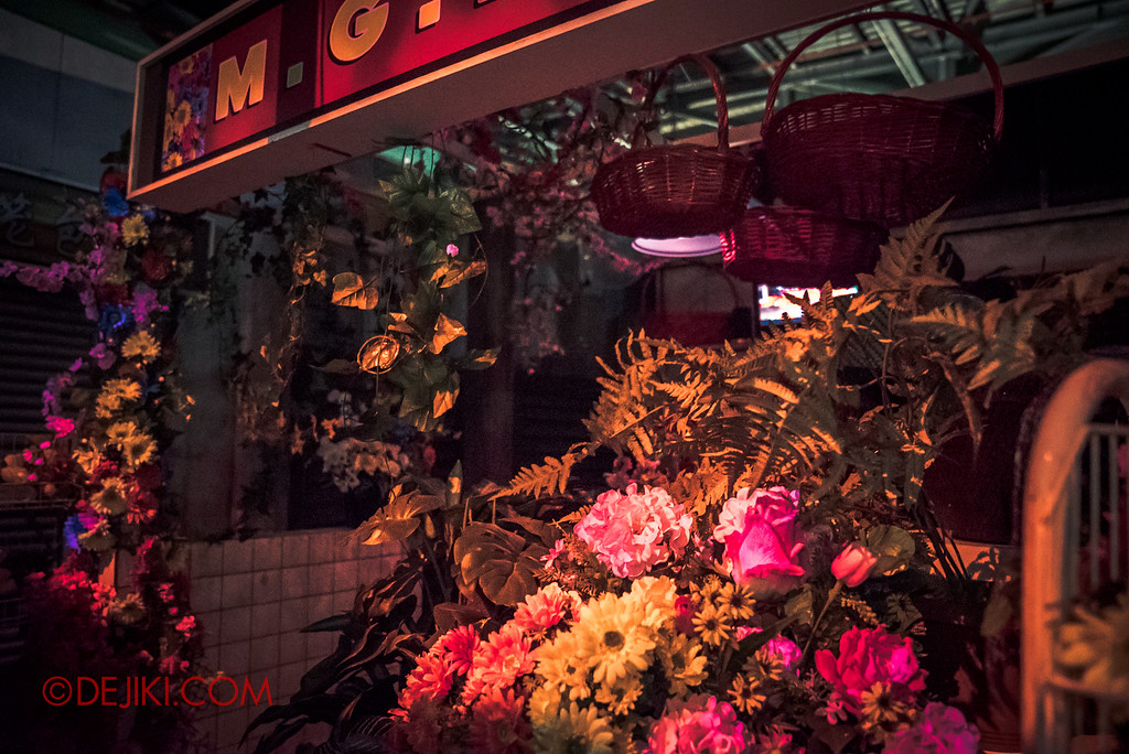 Halloween Horror Nights 6 - Hawker Centre Massacre / Flower Shop