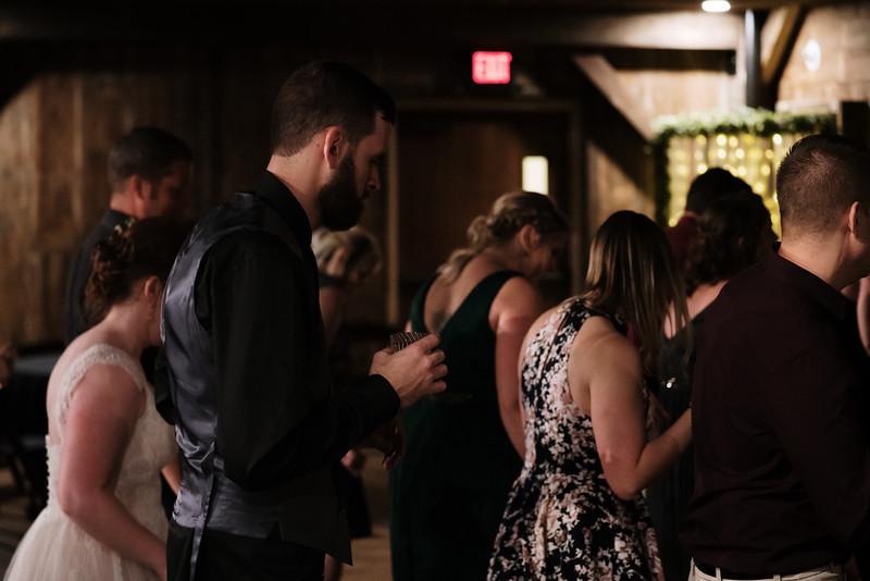 rustic_ohio__fall_barn_wedding-485.jpg