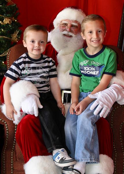 Santa Clause 11DEC2010-373Master.JPG