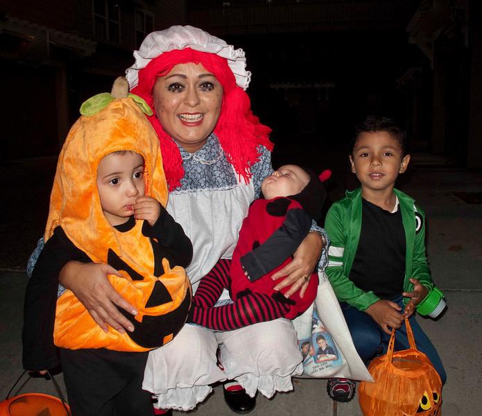 Juana and Kids.jpg