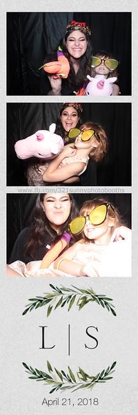 ELP0421 Lauren & Stephen wedding photobooth 65.jpg