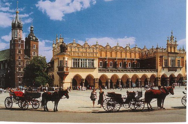 09_Cracovie_Grande_Place_du_marche.jpg