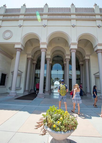 Maggie_Cal_Coll_tour-San Diego-6946-72 DPI.JPG