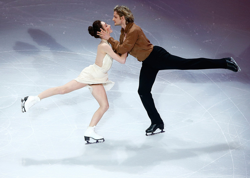 . Meryl Davis and Charlie White perform during the Smucker\'s Skating Spectacular following the Prudential U.S. Figure Skating Championships at TD Garden on January 12, 2014 in Boston, Massachusetts.  (Photo by Jared Wickerham/Getty Images)