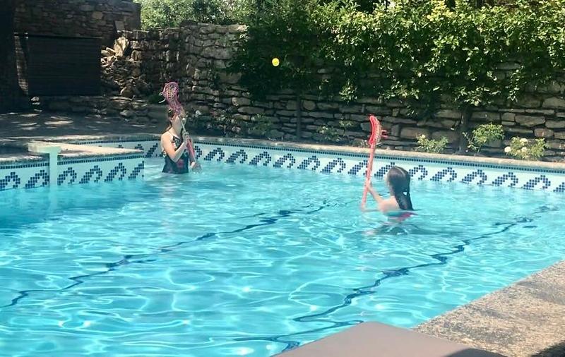 Pool lacrosse
