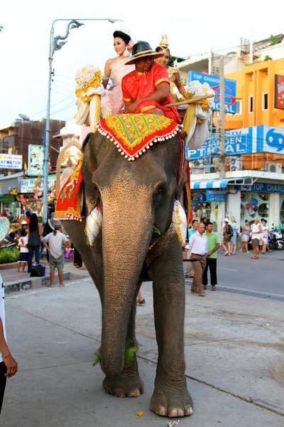 Pattaya - July 2010 Schools honoring the king