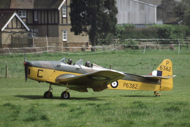 G-AJRS-MilesM14AHawkTrainer-RAF-EGTH-2001-05-10-JY-33-KBVPCollection.jpg