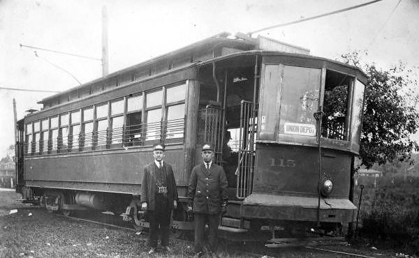 Riverside Avenue 1915.jpg