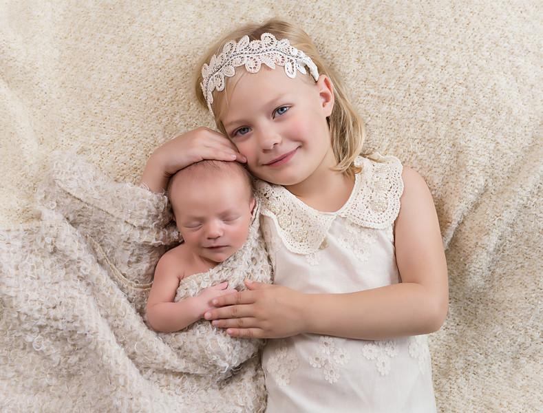 newborn pictures marion cedar rapids iowa 127.jpg