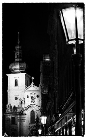 Motiv Street and City B&W Smart Gallery