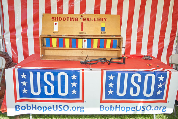 Bob Hope USO Military Family