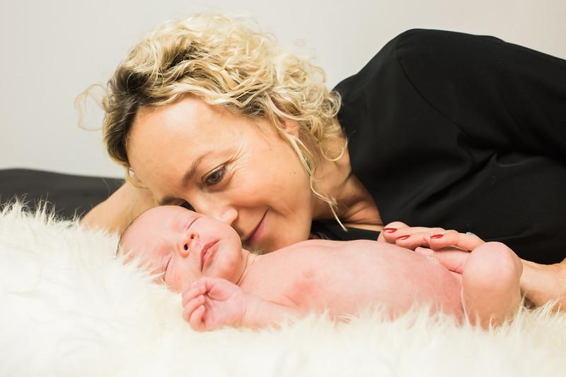 Newborn-Louise (126 van 142).jpg