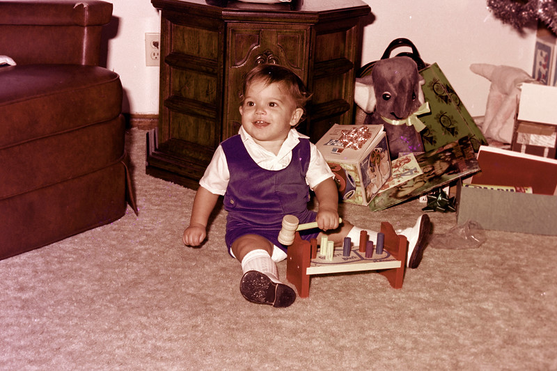 1975-12-25 #11 Anthony's 1st Christmas.jpg