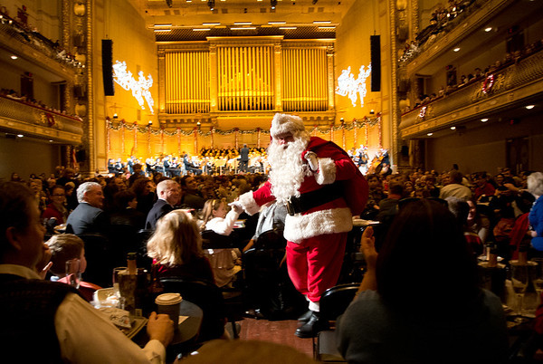 122318BSO HOLIDAY POPS FROM BALCONY