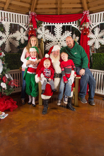 Santa 12-16-17-345.jpg