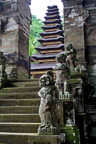 Besakih Temple 4.jpg