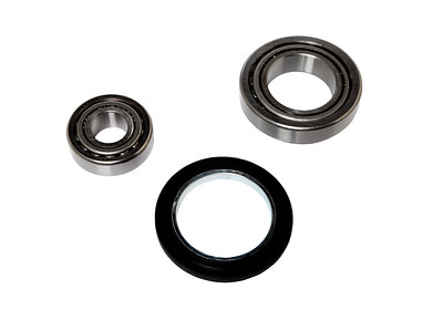 FORD NEW HOLLAND FRONT WHEEL BEARING KIT E2156T9