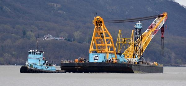 Don Jon Marine's Thomas B Witte pulling Chesapeake 1000  short ton = 2000 lbs