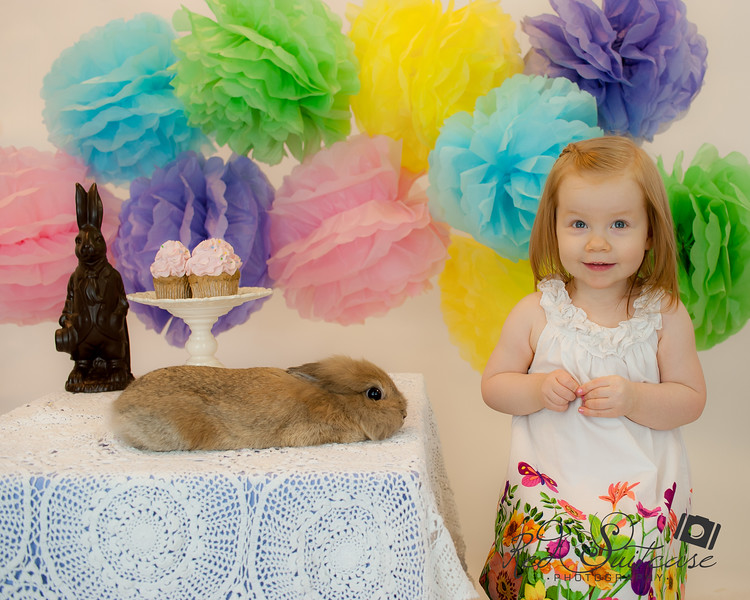 Charlotte and Evie Easter Sneaks (4 of 5).jpg