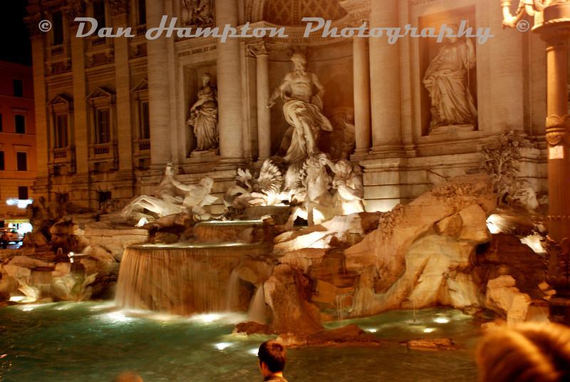 Trevi_Fountain.jpg