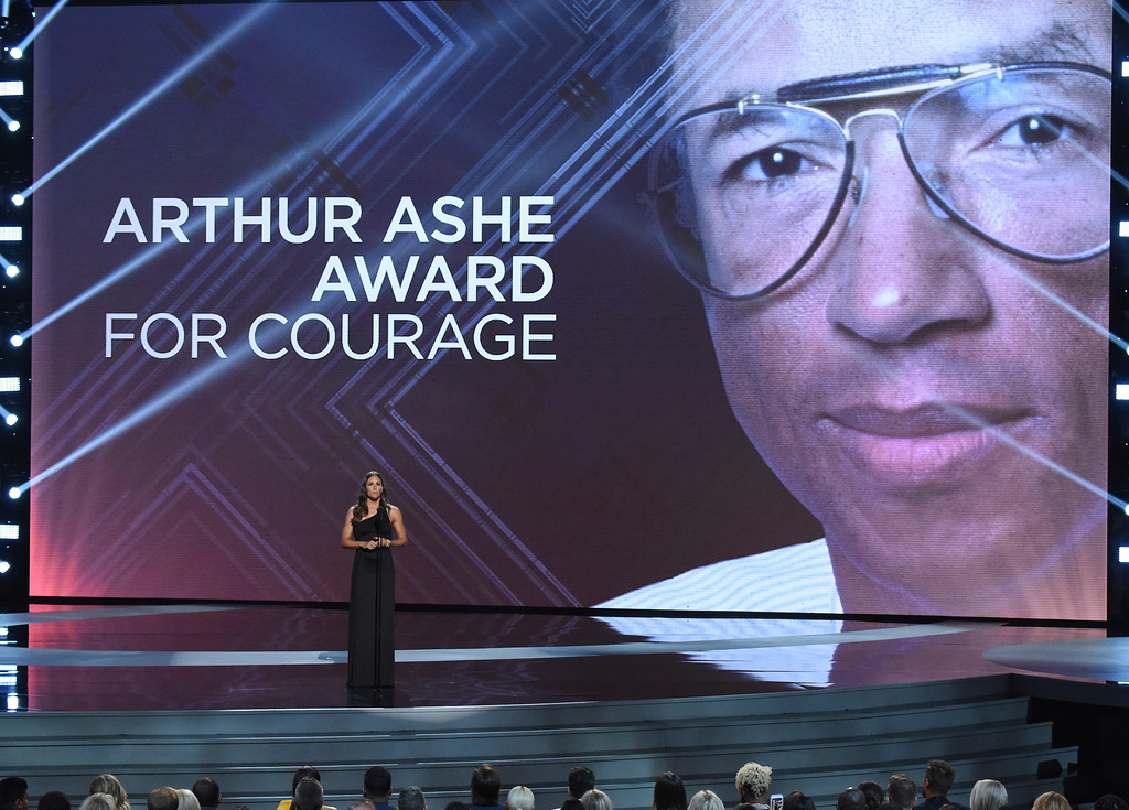 . Jennifer Garner presents the Arthur Ashe Award for Courage, at the ESPY Awards at Microsoft Theater on Wednesday, July 18, 2018, in Los Angeles. (Photo by Phil McCarten/Invision/AP)