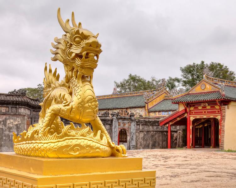 giant-royal-seal-dragon-forbidden-purple-city-hue-vietnam.jpg