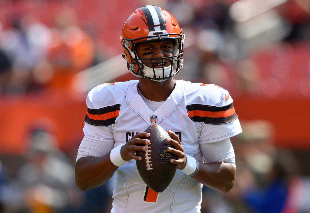 . Cleveland Browns quarterback DeShone Kizer warms-up before an NFL football game against the Pittsburgh Steelers, Sunday, Sept. 10, 2017, in Cleveland. (AP Photo/David Richard)