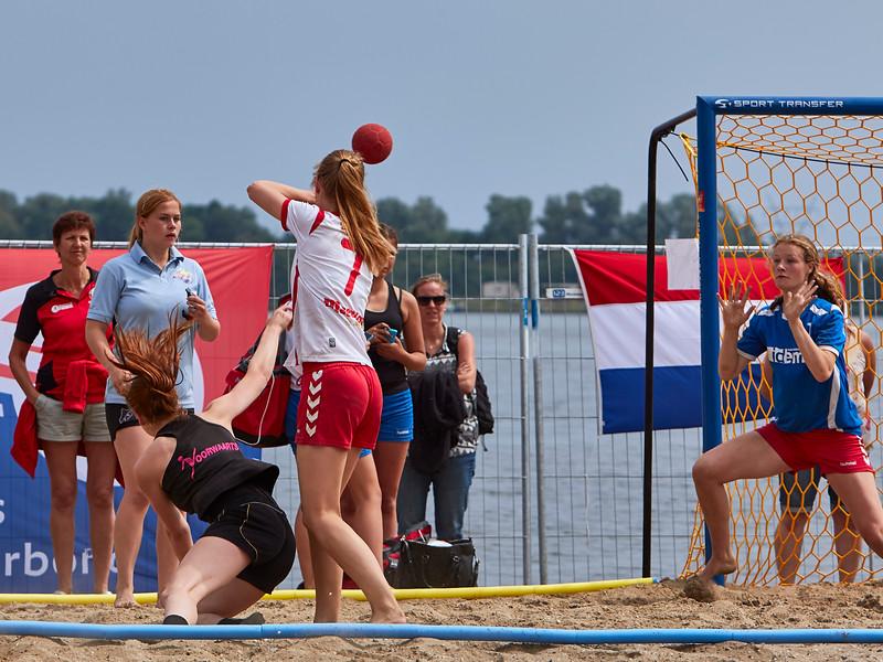 Molecaten NK Beach Handball 2015 dag 2 img 712.jpg