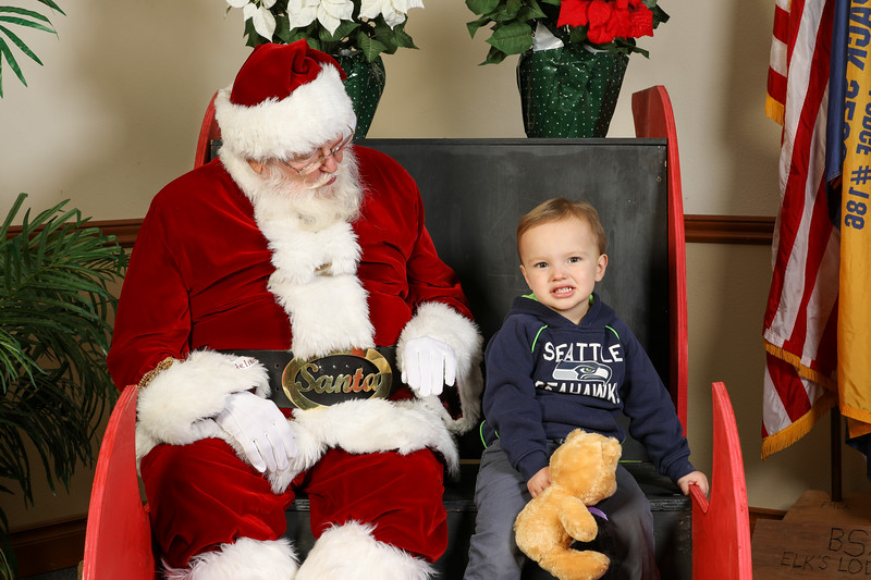 TBTP 2019 Photos with Santa-44.JPG