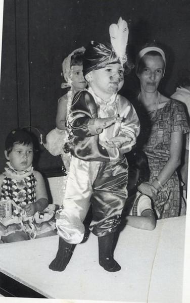 Andrada Mane' ( filho do  Claudino Rodrigues), Mena Cardoso e mae, e??