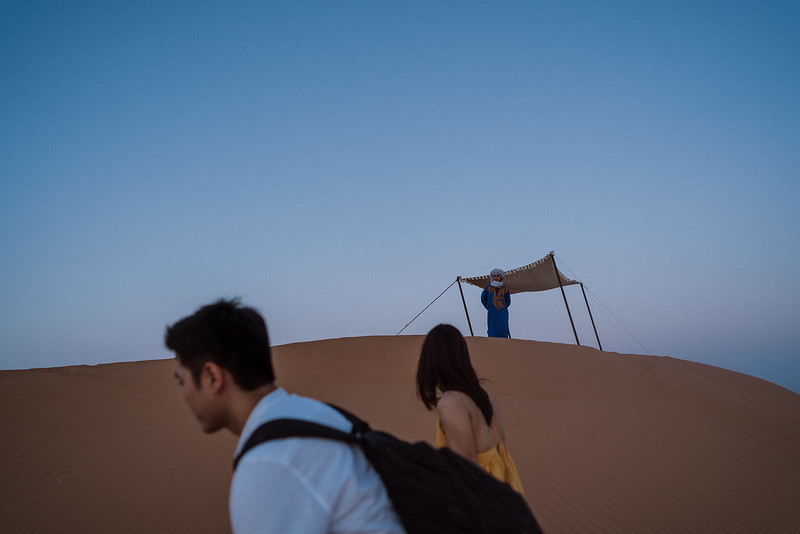 Tu-Nguyen-Destination-Wedding-Photographer-Morocco-Videographer-Sahara-Elopement-410.jpg