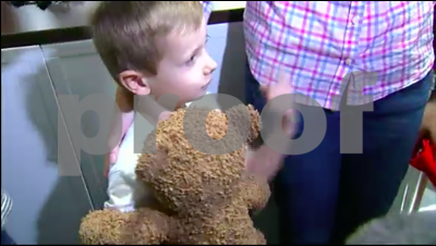 dallasarea-boy-4-reunited-with-lost-teddy-bear-at-airport