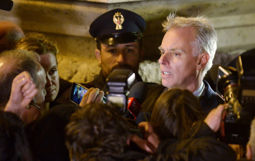 . Amanda Knox\'s lawyer Carlo Dalla Vedova  talks to journalists as he leaves Italy\'s highest court building, in Rome, on 27 March 2015.  Italy\'s Supreme Court has overturned the murder conviction against Amanda Knox and her ex-boyfriend Raffaele Sollecito.  AFP PHOTO / TIZIANA FABI        (Photo credit should read TIZIANA FABI/AFP/Getty Images)