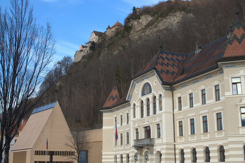 Liechtenstein view of Vaduz Castle.jpg