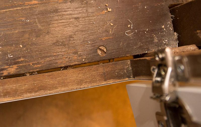Cabinets broken cabinet-4.JPG