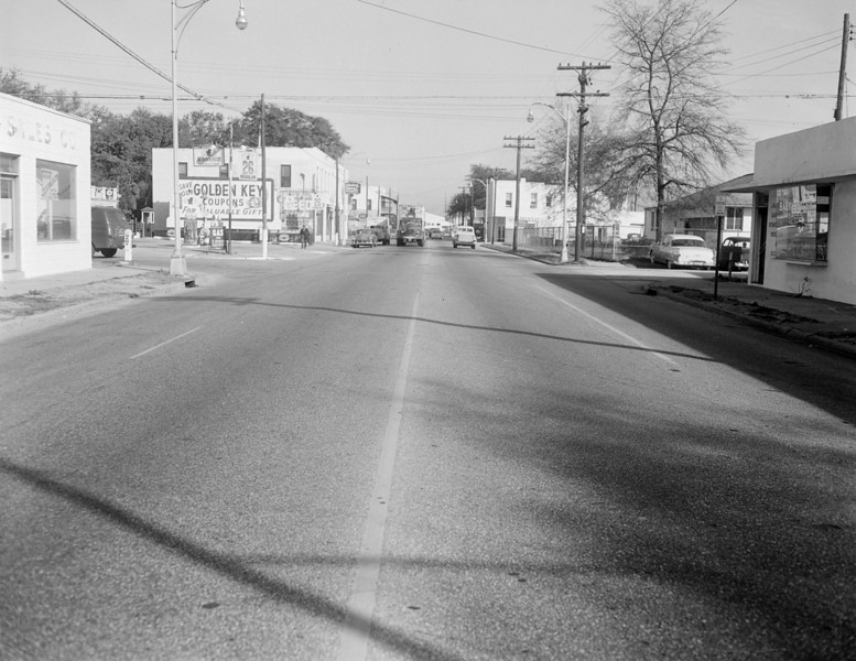 View looking along Kings Avenue towards Gary Street in 1956.