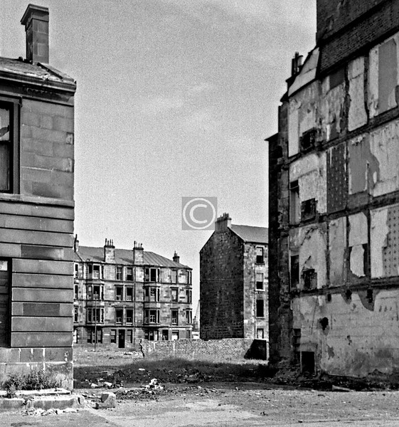 From Copland Rd looking through to Carmichael St.   June 1975