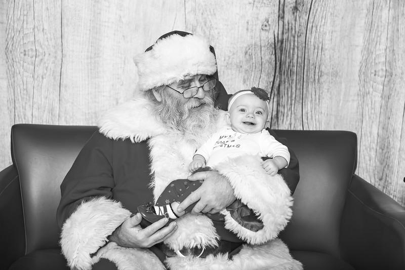 Ameriprise-Santa-Visit-181202-5061-BW.jpg