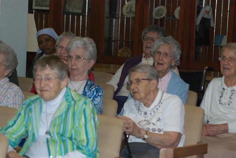2014-12-10-Christmas-Caroling-at-Sisters-of-Divine-Providence_008.jpg