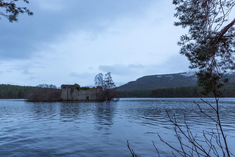 Loch an Eilein-castle remains