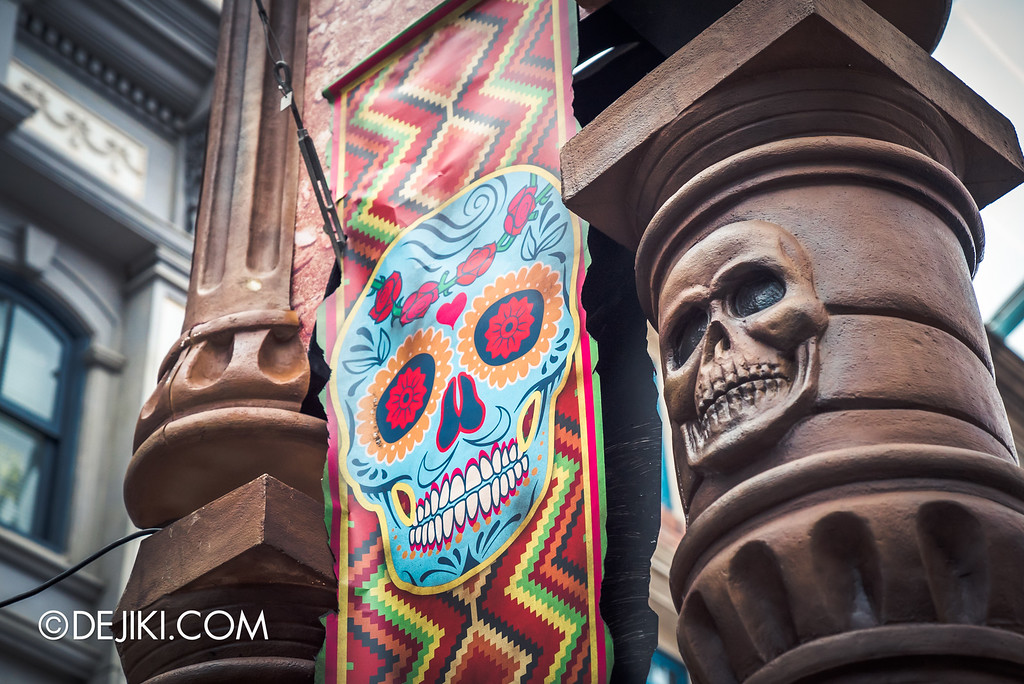 Universal Studios Singapore - Halloween Horror Nights 6 Before Dark Day Photo Report 2 - March of the Dead scare zone / Calavera Pattern Banner