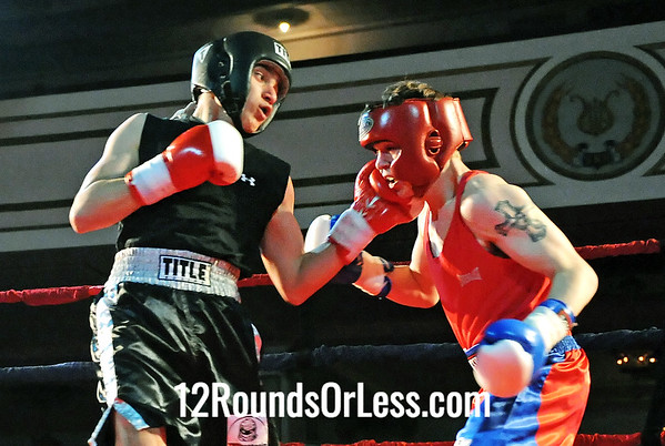 Bout # 2 Ryan Caldwell (Claymont HS-ClaymontBC)-vs-Wil Chirinos(Rhodes HS-Raul Torres BC) 132 pounds