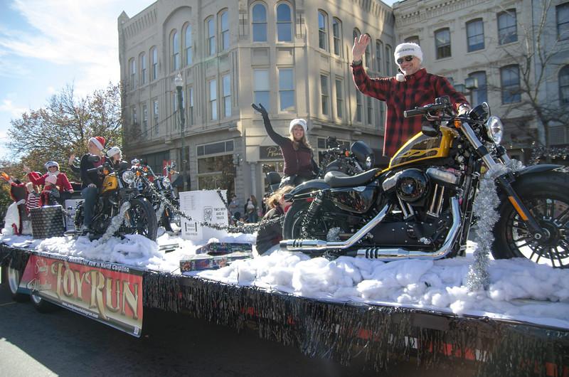 22015 Asheville Holiday's Parade_208.JPG